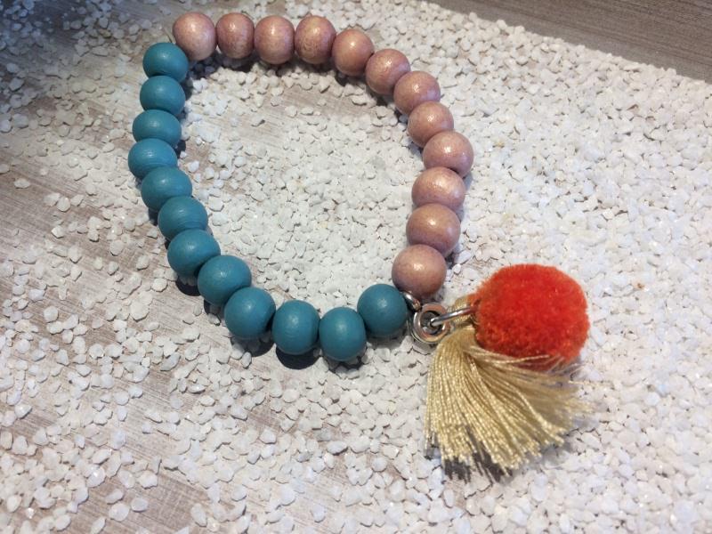 - Handgemachtes Perlenarmband  - Handgemachtes Perlenarmband