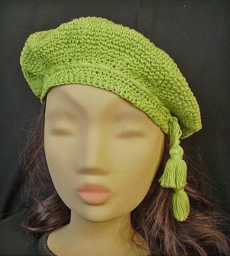 Kleinesbild - Grüne Baskenmütze, gehäkelt