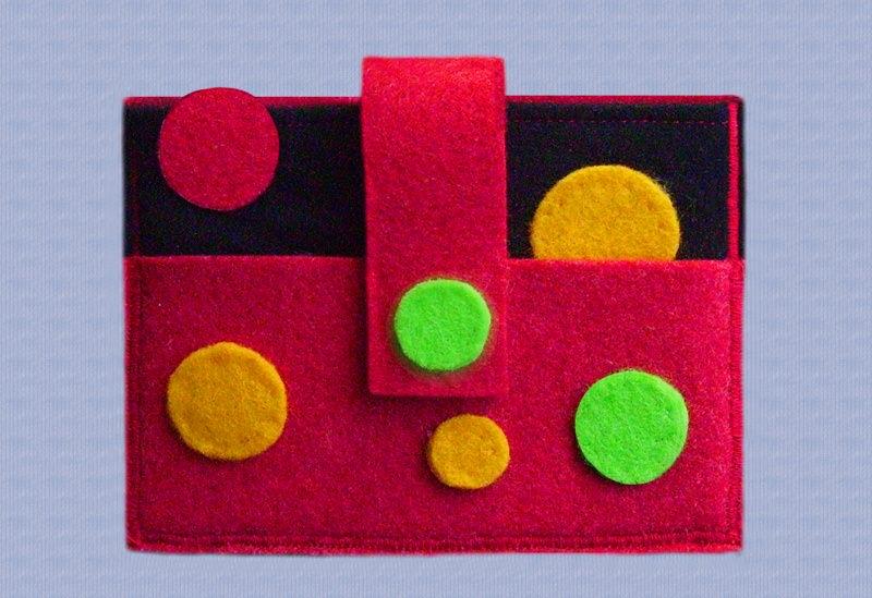 - Schlüsseltäschchen mit bunten Filzpunkten - Schlüsseltäschchen mit bunten Filzpunkten