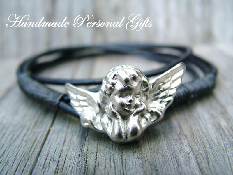 Kleinesbild - Armband Leder , Engel, wrap,Schwarz, Schutzengel, Flügel, Kommunion, Glaube, benützerdefiniert