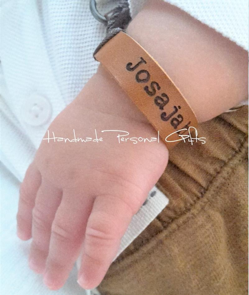 Kleinesbild - Namensarmband Superklein, Armband mit Text, Benützerdefiniertes Armband, mit Namen, Geburtstagsgeschenk, Punziertes