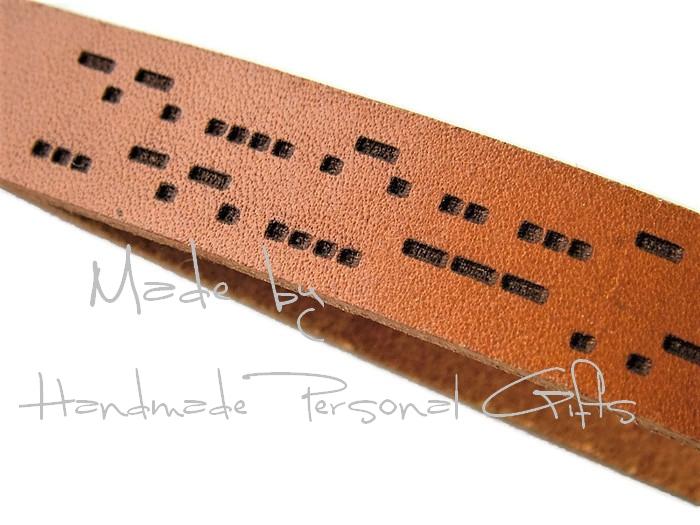Kleinesbild - Schlüsselanhänger aus Leder, Vollständig anpassbar In Morsezeichen, Namen oder kleinen Text, Koordinaten