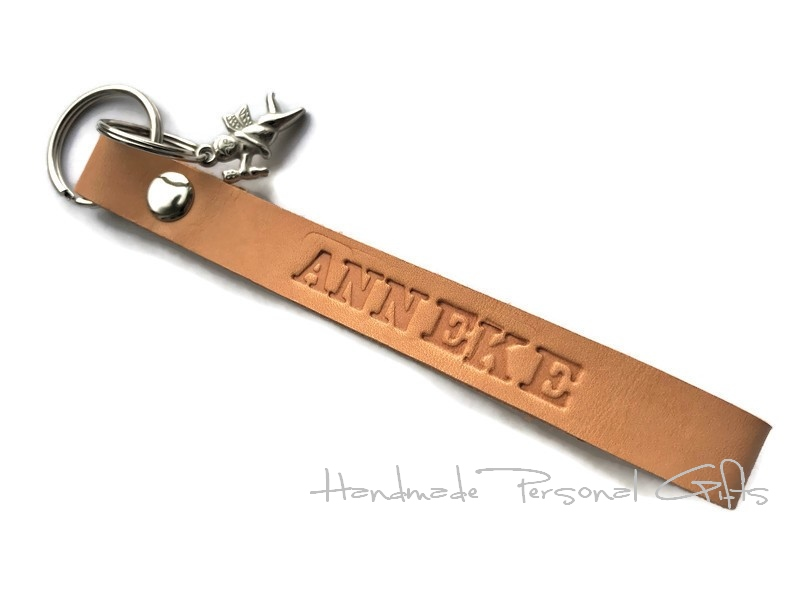 Kleinesbild - Schlüsselanhänger aus Leder, Vollständig anpassbar mit Namen oder kleinen Text, Engel, Schutzengel