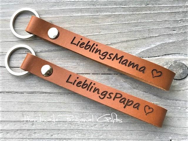 - Schlüsselanhänger aus Leder,  Lieblingspapa,  Lieblingsmama, Namen oder kleinen Text, bester papa, benützerdefiniert  - Schlüsselanhänger aus Leder,  Lieblingspapa,  Lieblingsmama, Namen oder kleinen Text, bester papa, benützerdefiniert