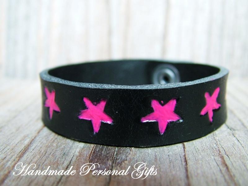 Kleinesbild - Kinderarmband, Lederarmband, Sterne, Stern, Sternarmband, einzigartiges Armband, roza, benutzerdefiniertes Armband
