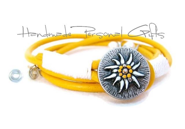 - Lederwickelarmband in der Farbe Gelb, Edelweis, Perlen, individualisierbares Armband, maßgeschneidertes Armband, Dirndlschmuck, Oktoberfest, Dirndl - Lederwickelarmband in der Farbe Gelb, Edelweis, Perlen, individualisierbares Armband, maßgeschneidertes Armband, Dirndlschmuck, Oktoberfest, Dirndl