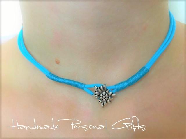 Kleinesbild - Lederarmband mit einem schönen Edelweiß als Hingucker, Edelweis, Blume, Blumenarmband, als Armband zu verwenden, Leder Halskette