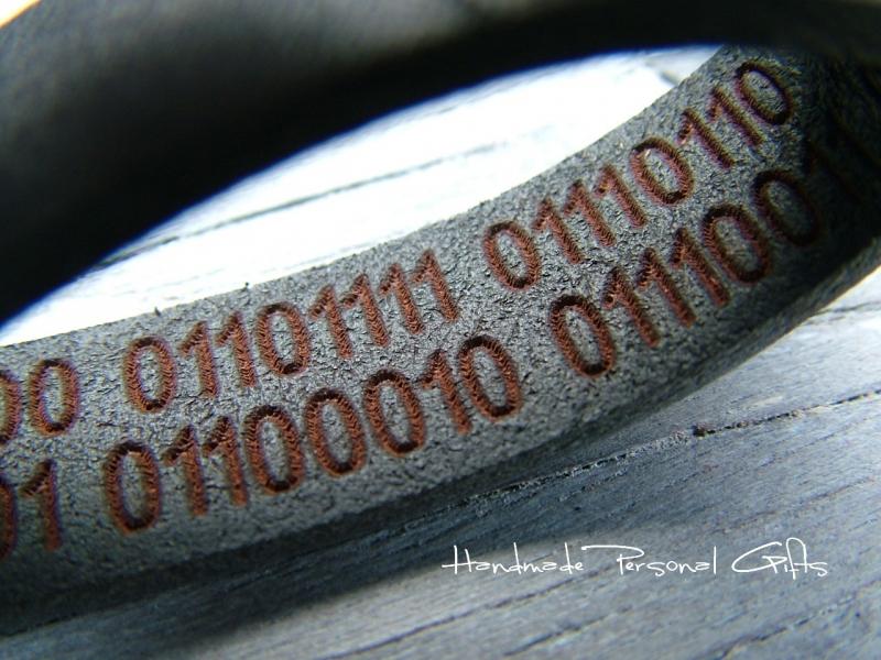 Kleinesbild - Schlüsselanhänger Leder,Taschen-Anhänger,Binärcode, mit Namen, Text, individualisiert, persönlich, Koordinaten, Ich liebe dich