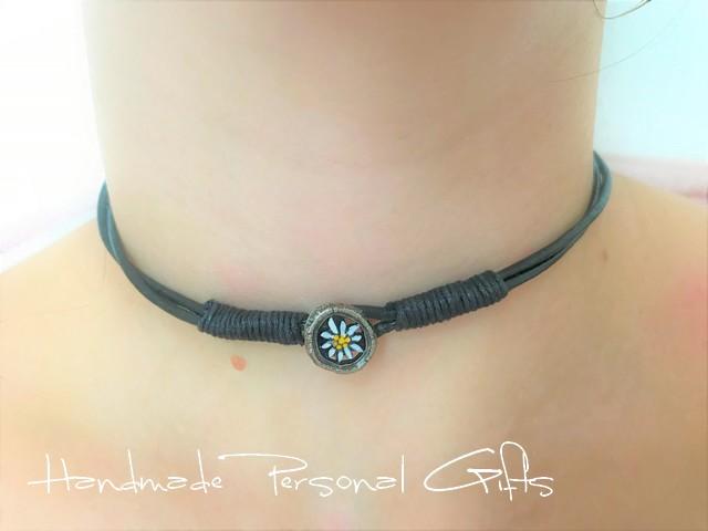 Kleinesbild - Leder wickelarmband mit einem schönen Edelweiß als Hingucker, Edelweis, Blume, Blumenhalskette, als Halskette zu verwenden, Lederarmband
