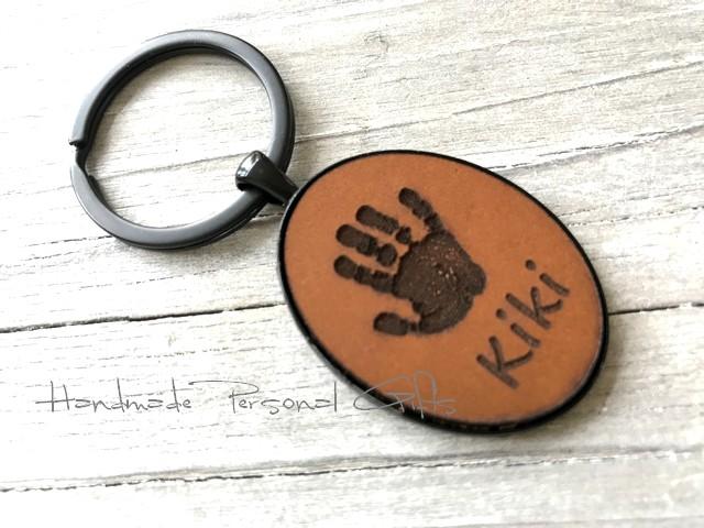 Kleinesbild - Ein schöner Handabdruck, Schlüsselanhänger, Fußabdruck, Symbol, Erinnerungskeychain, Hundetatze, Weihnachten, Weihnachtsgeschenk, Kinderzeichnung