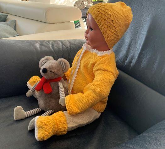 Kleinesbild - Gestricktes Babyset in Gelb in Größe 62/68