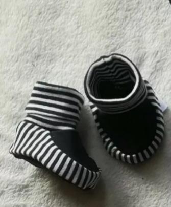 Kleinesbild - 4 tlg.Set aus Pumphose , Schuhen ,Mütze und Tuch - Maritim - in den Gr.50/56 bis 62/68 aus Jersey