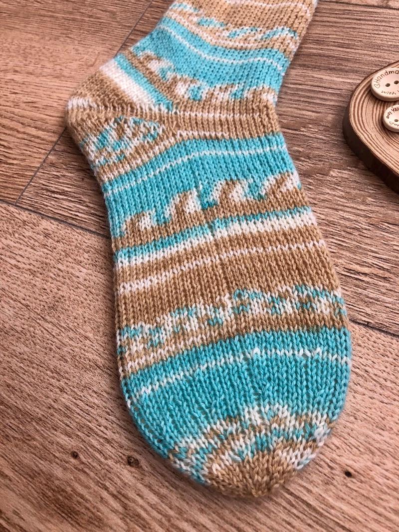 Kleinesbild - Gestrickte Socken Größe 38 kaufen