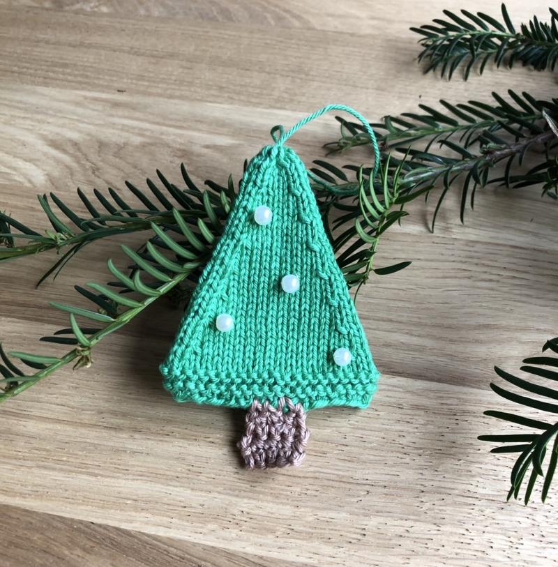 Kleinesbild - Weihnachtsschmuck Tannenbaum mit Perlen ⭐️