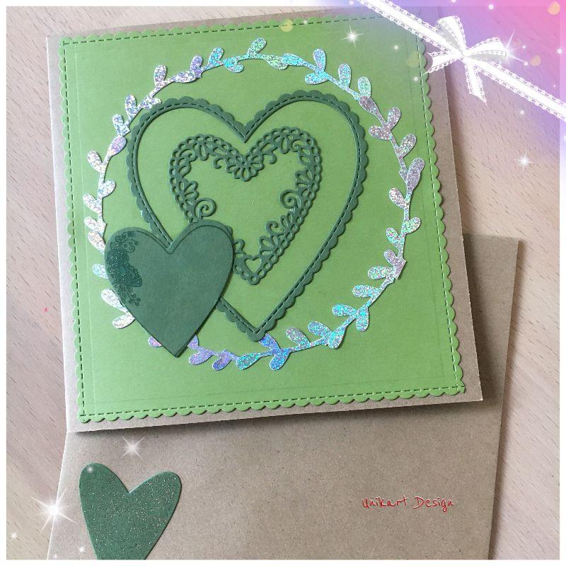 - Grußkarte Handgefertigt aus Kraftpapier, Grüne Herzen mit Silbernem Blätterkranz - Grußkarte Handgefertigt aus Kraftpapier, Grüne Herzen mit Silbernem Blätterkranz