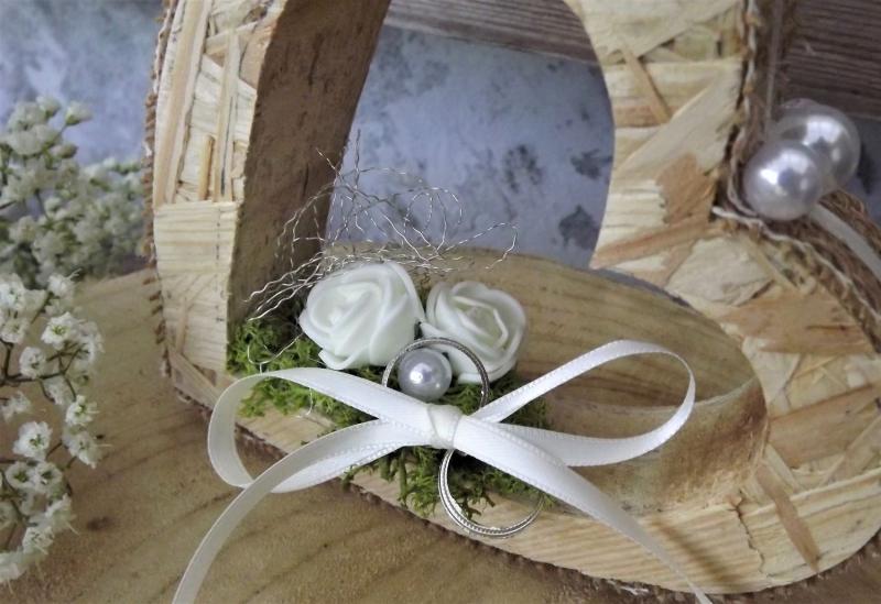 Kleinesbild - Ringkissen Ringhalter Jute Herz stehend für Eheringe Hochzeit Liebe aus Holz