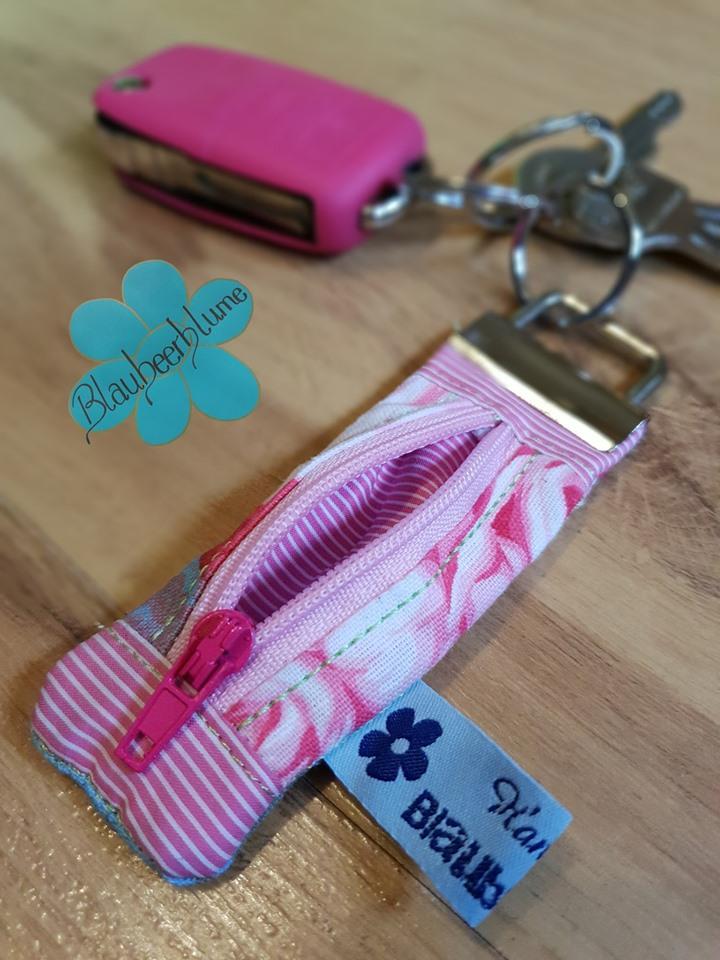 Kleinesbild - Stickdatei *Münzbaumler* key fob ITH Schlüsselanhänger mit Reißverschluss 10x10 oder *die kleinste Handtasche der Welt*