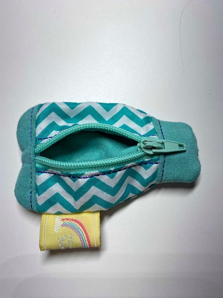 Kleinesbild - Stickdatei *Quattrobaumler* key fob ITH Schlüsselanhänger mit Reißverschluss 10x10 oder *die kleinste Handtasche der Welt*