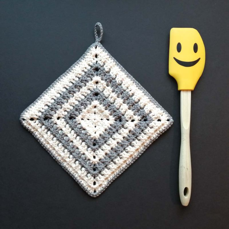 Kleinesbild - Zweier-Set Topflappen mit Waffelmuster im Quadrat aus Baumwolle gehäkelt