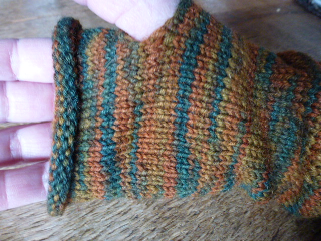 Kleinesbild - ♡ Handschuhe ohne Finger oder auch Armstulpen aus 6- fädiger Sockenwolle, herbstliche Farben, mit 2 Tragemöglichkeiten ♡