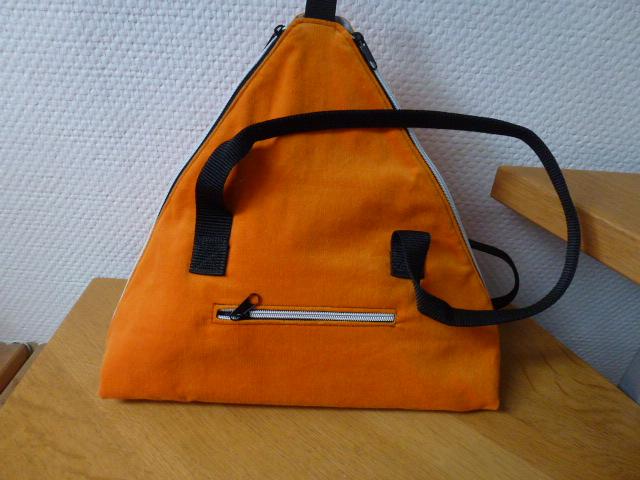 Kleinesbild - ✂Umhängetasche mit samtigen Verlour  in orange ✂ SeaShell ✂ nach einem Taschenspieler Schnitt von farbenmix✂