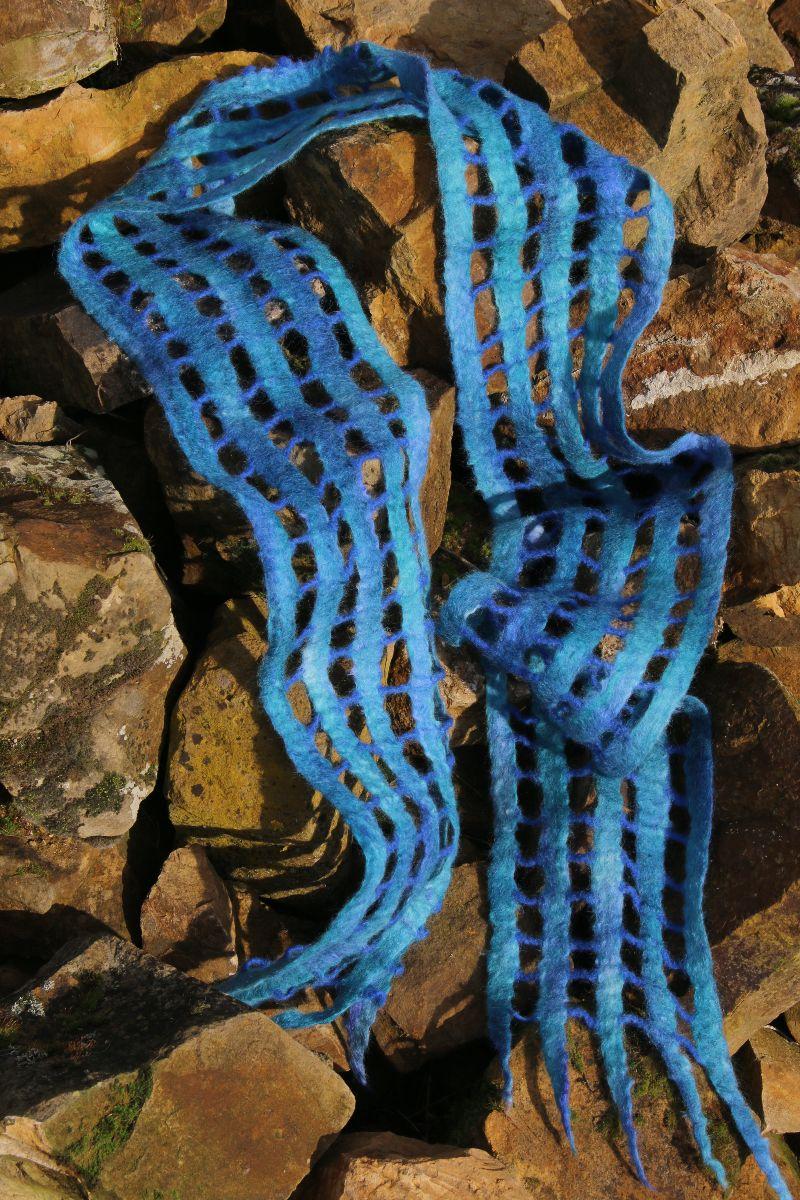 Kleinesbild - gefilzter Schal, Gitterschal, Schultertuch