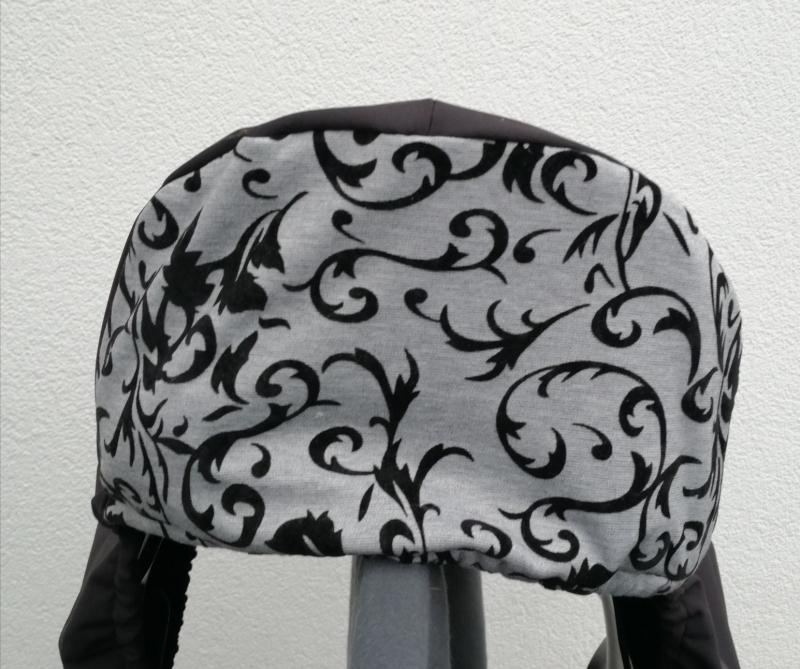 Kleinesbild - Sattelschoner schwarz/grau, wasserabweisend mit passenden Steigbügelhüllen und individuell bestickbar!!!