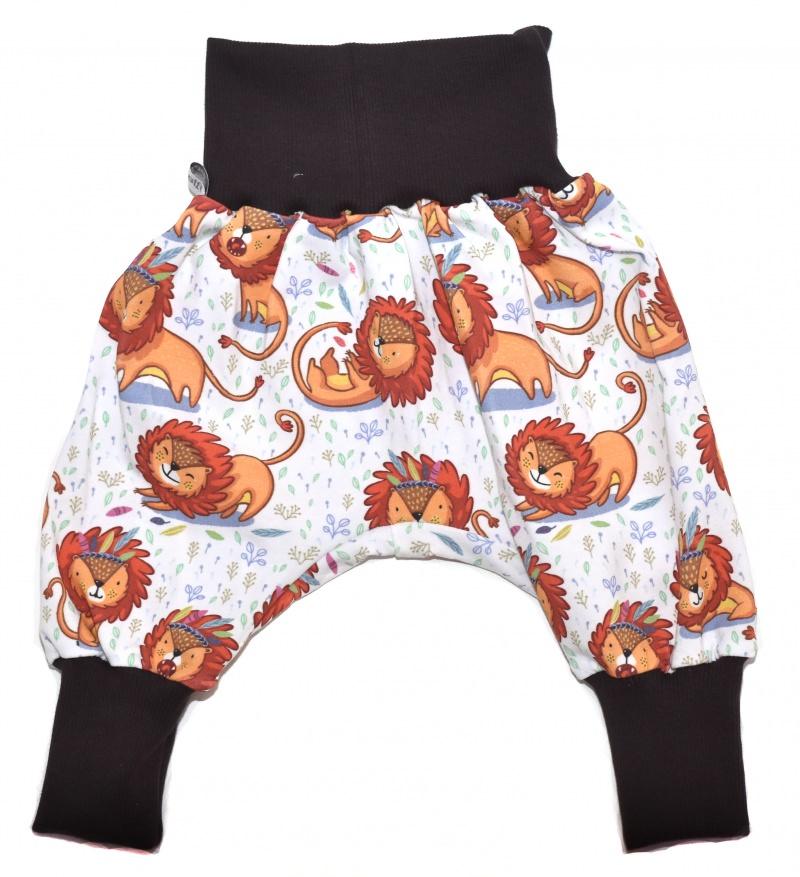 Kleinesbild - Baby oder Kinder Set Pumphose Mütze (Beanie oder Knotenmütze) Löwen