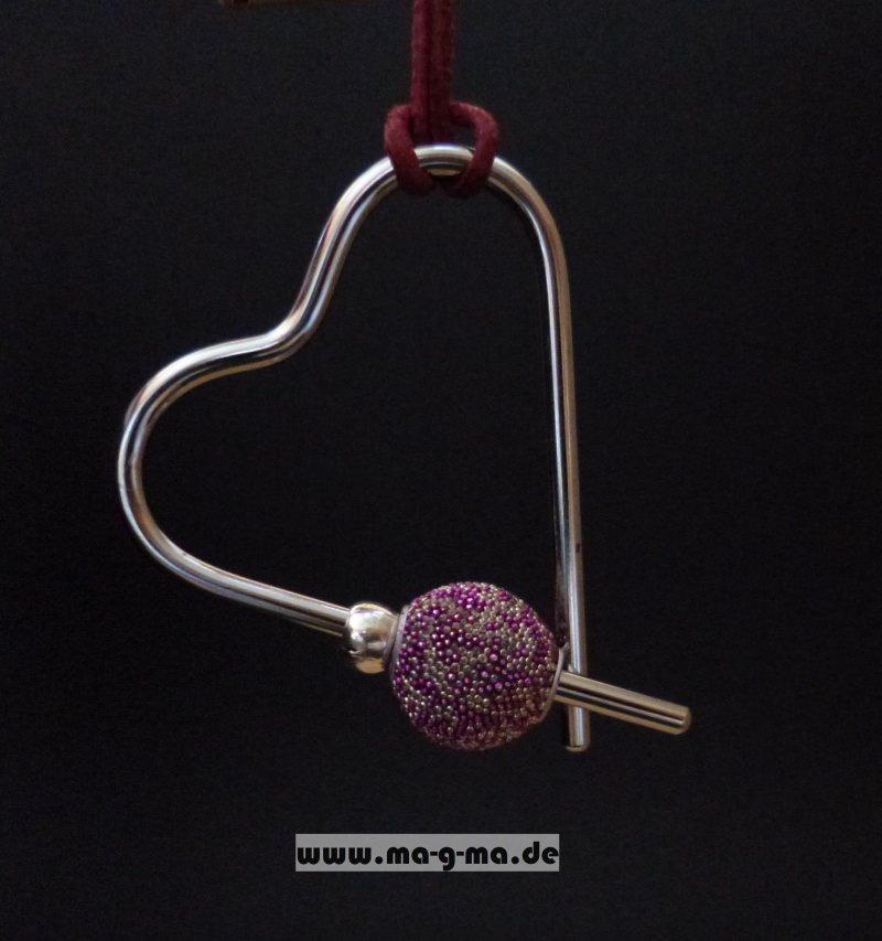 - Designer - Anhänger Herz mit Lederband und wechselbaren Perlen - Designer - Anhänger Herz mit Lederband und wechselbaren Perlen