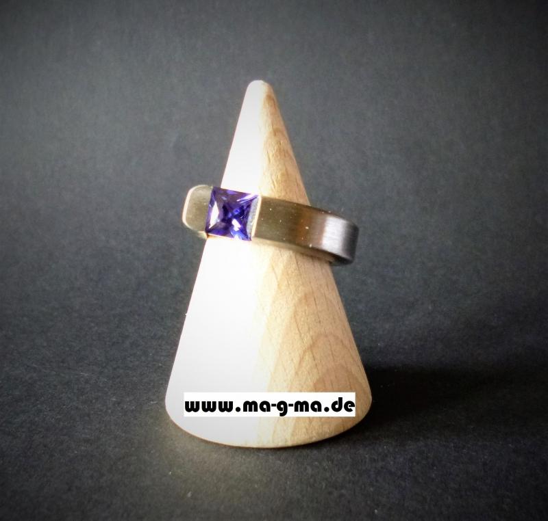 - Designer - Ring aus Edelstahl handgefertigt mit tansanit-blauem Zirkonia kaufen - Designer - Ring aus Edelstahl handgefertigt mit tansanit-blauem Zirkonia kaufen