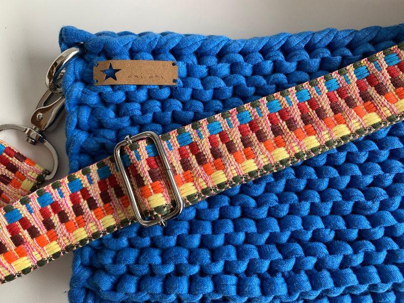 - ☆LOTTE_blau Umhängetasche aus recyceltem Stoff mit verstellbarem Gurt - ☆LOTTE_blau Umhängetasche aus recyceltem Stoff mit verstellbarem Gurt