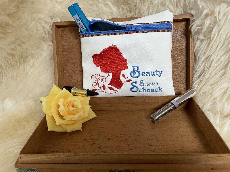- Handgefertigte Kosmetiktasche bestickt mit Reißverschluß Unikat Beauty - Handgefertigte Kosmetiktasche bestickt mit Reißverschluß Unikat Beauty