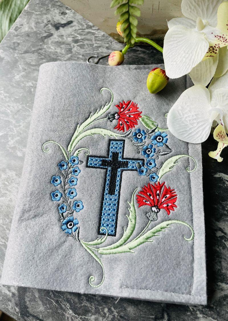 Kleinesbild - Gotteslobhülle Gotteslob Gebetbuch Hülle Umschlag aus Filz Handarbeit Stickerei
