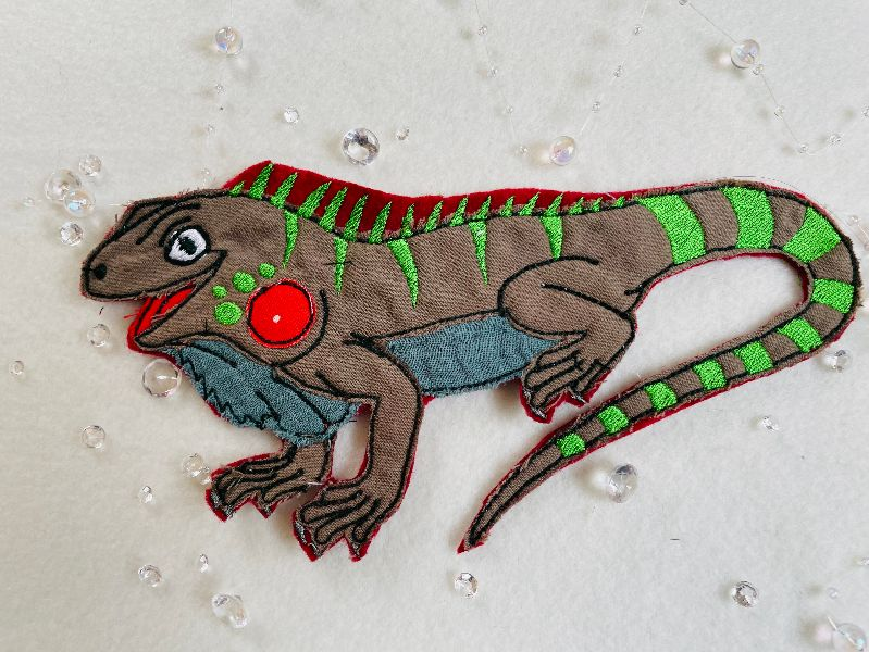 -  Applikation, Aufnäher, Patch,Dino, Echse, Bügelbild, gestickt handmade Patches  -  Applikation, Aufnäher, Patch,Dino, Echse, Bügelbild, gestickt handmade Patches