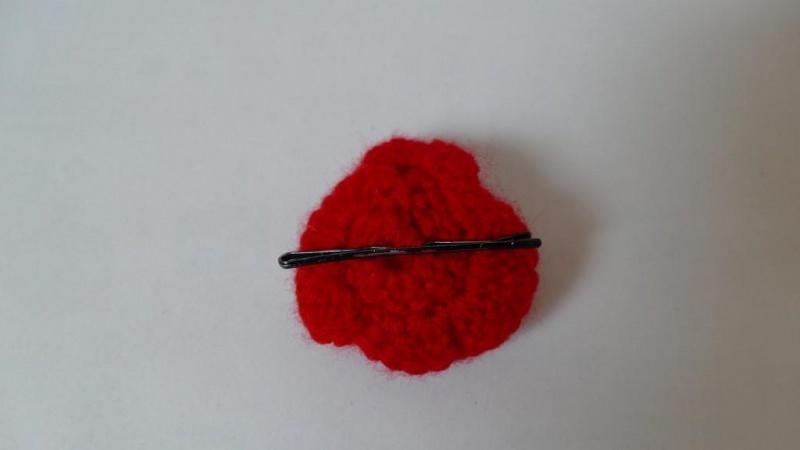 Kleinesbild - Haarspange mit einer gehäkelten Blume als Accessoire ♥