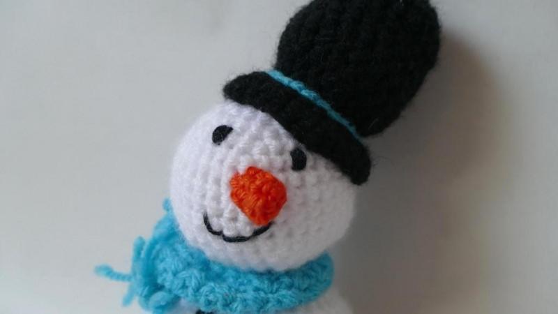 Kleinesbild - Gehäkelter Schneemann als Weihnachtsdekoration oder Kuscheltier ♥