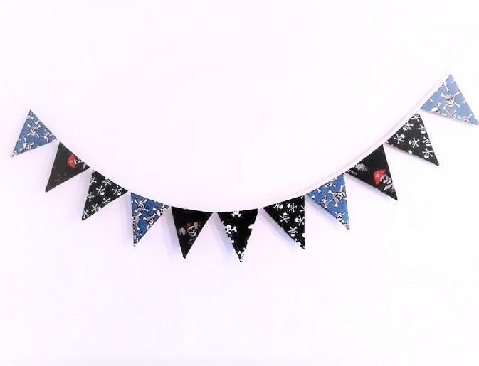 Kleinesbild - Wimpelkette *Pirat*/ Kinderzimmer Deko/ Geburtstages Girlande