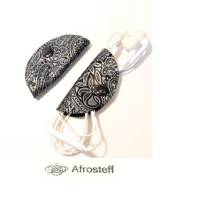 - Kopfhörer- und Kabeltasche im 2-er Set aus Kunstleder - Kopfhörer- und Kabeltasche im 2-er Set aus Kunstleder