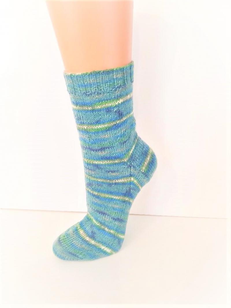 Kleinesbild - Handgestrickte Socken Gr. 39-41, Wollsocken mit gestreiftem Farbverlauf, Stricksocken, Socken gestrickt
