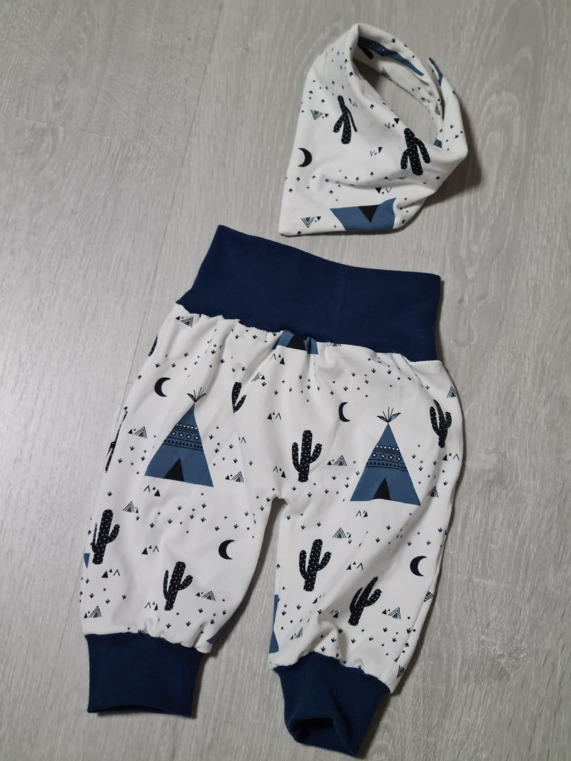 Kleinesbild - Babyhose / Pumphose in der Farbe dunkelblau und Muster (Zelt, Kaktus) ♡
