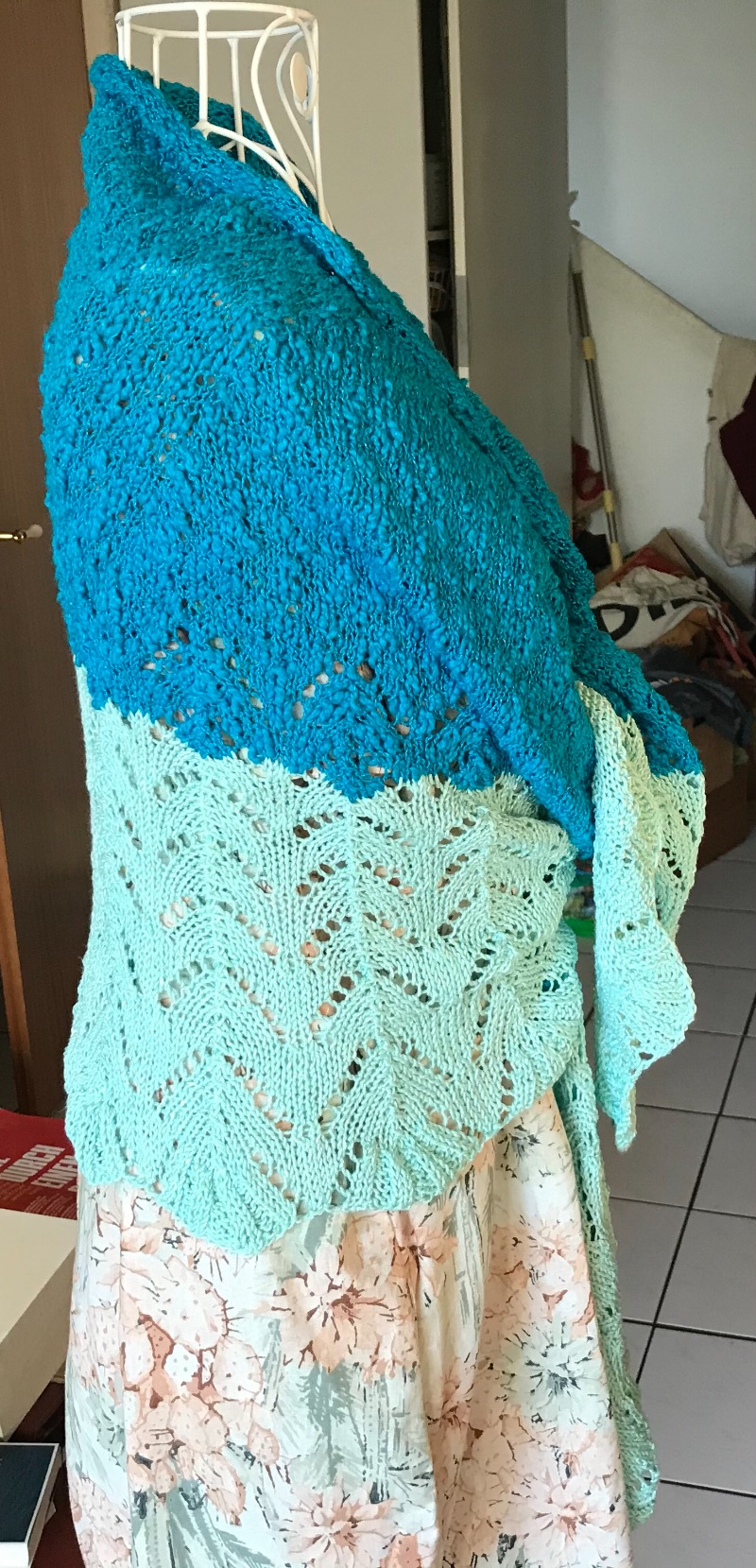 Kleinesbild - Gestricktes Tuch mit Wellenmuster Baumwolle / Viskose vegan