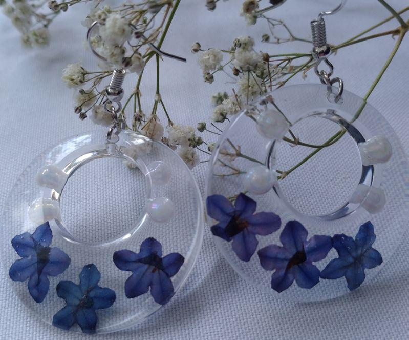Kleinesbild - große transparente Ohrhänger mit echten Blüten