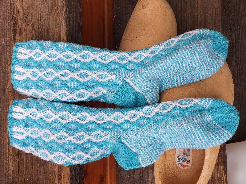 - Socken Gr. 38-39 handgestrickt  4fädige Sockenwolle - Socken Gr. 38-39 handgestrickt  4fädige Sockenwolle