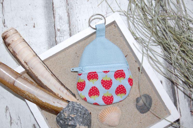 """- Schlüsselanhänger """"Erdbeeren"""", mit Reißverschlussfach für Einkaufchips, Münzen und Co - Schlüsselanhänger """"Erdbeeren"""", mit Reißverschlussfach für Einkaufchips, Münzen und Co"""