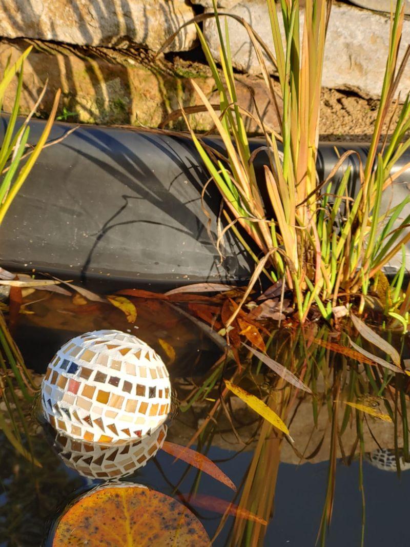 Kleinesbild - braun beige Kugel 10cm Mosaik Dekokugel schwimmt Gartenkugel Rund