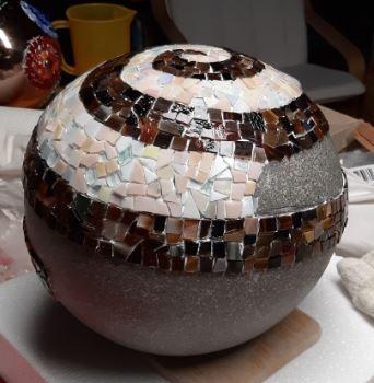 Kleinesbild - Mosaik Spiralkugel braun beige 35cm Gartenkugel Tiffanyglas