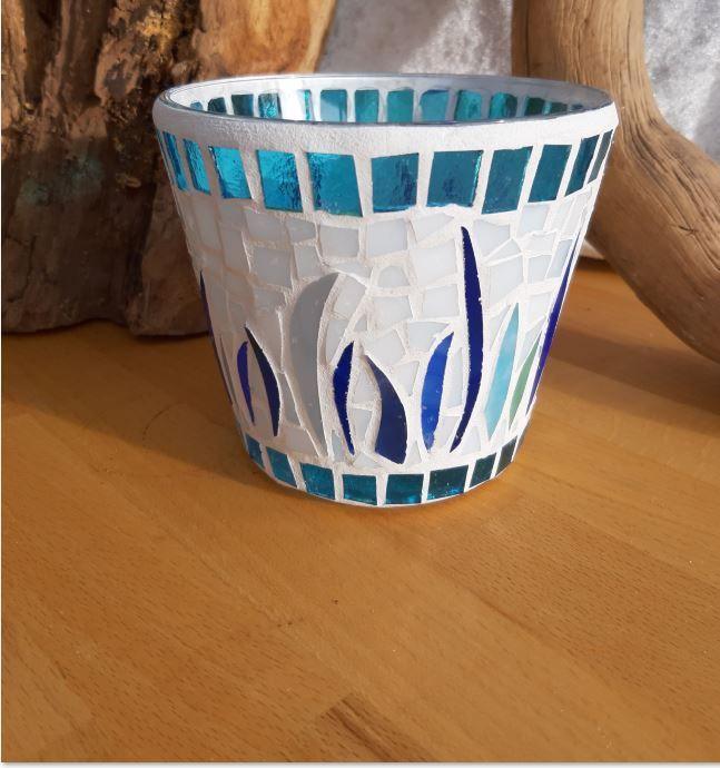 - türkis blaue Vase Windlicht Glasmosaik 11 x 12,5 cm Glas Unikat Tiffanyglas - türkis blaue Vase Windlicht Glasmosaik 11 x 12,5 cm Glas Unikat Tiffanyglas