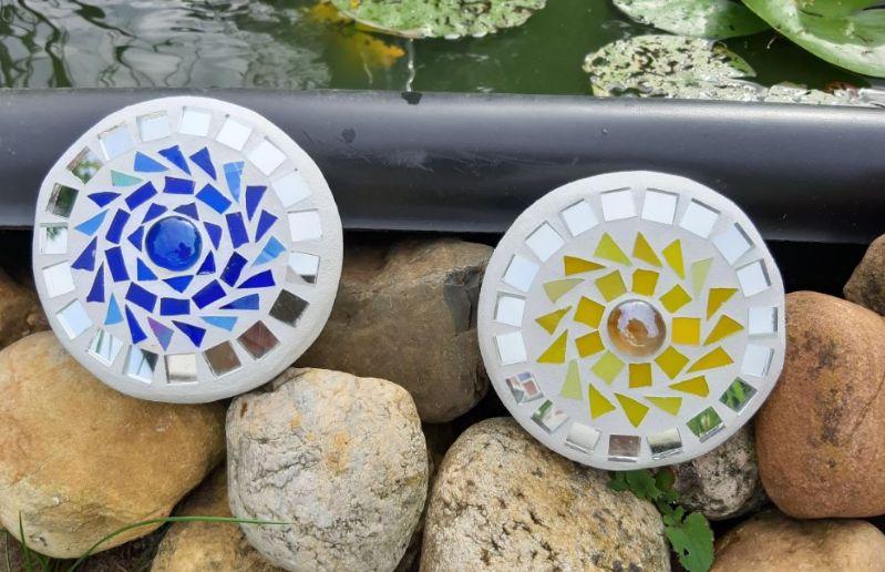 Kleinesbild - Mosaik Linse blau 10 cm Glasmosaik schwimmt Teich Tiffany Blumenmosaik spiegeleffekt