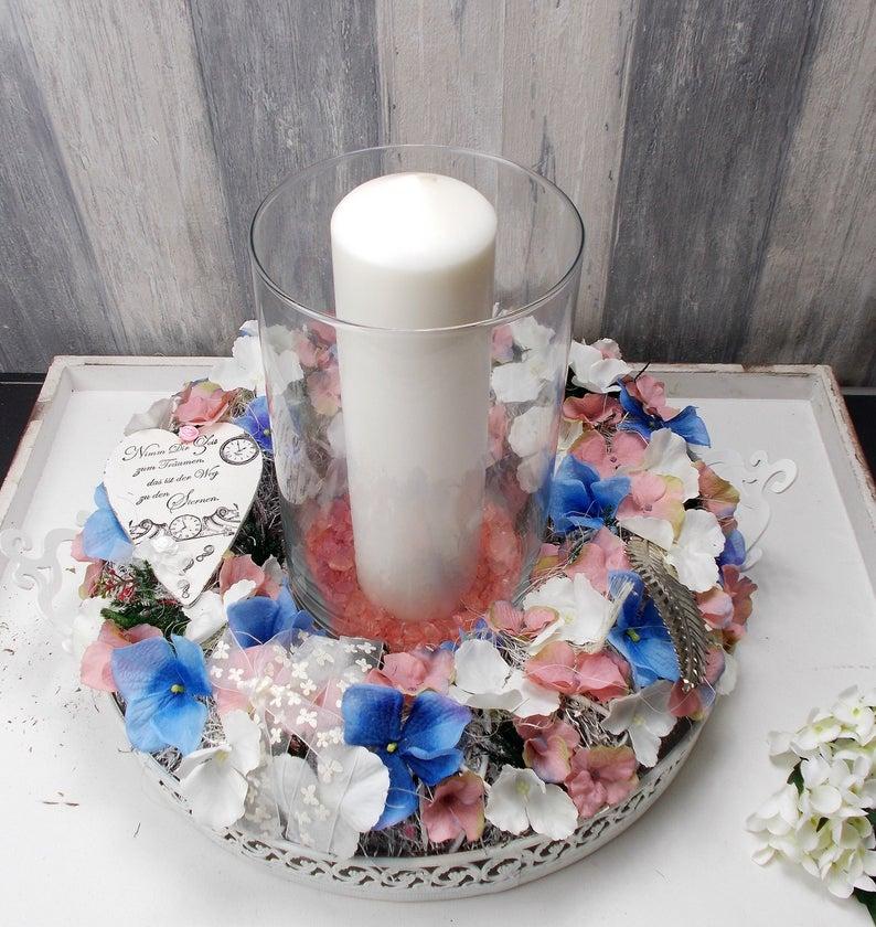 - Tischgesteck, groß, mit Hortensienblüten, Windlicht - Tischgesteck, groß, mit Hortensienblüten, Windlicht