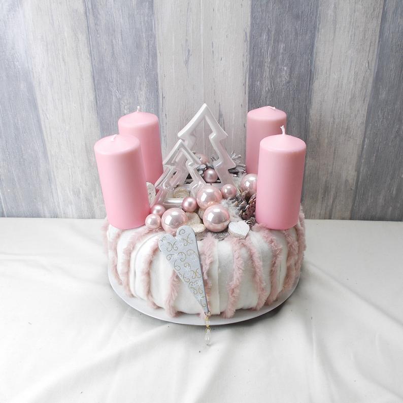 Kleinesbild - Adventskranz , rosa-weiß, mit Tannenbäumen, Tischkranz, Weihnachten, Adventsdeko,